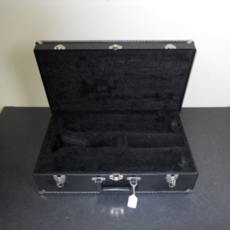 Buy this bass clarinet case at hornhospital.com.