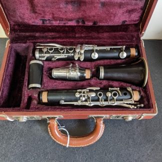 This Buffet R13 is a professional model clarinet.
