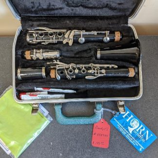 This Bundy clarinet is a nice student model instrument.