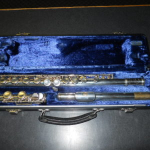 Used Instrument: Armstrong 104 Flute--#36-36916
