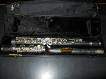 Used Instrument: Armstrong 800B0F Flute--#8047759