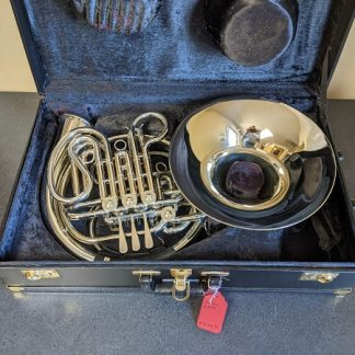 This Holton H279 is a professional model French Horn.